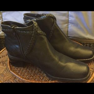 REAL LEATHER NAVY ANCLE HIGH BOOTS, SIDE ZIPPER